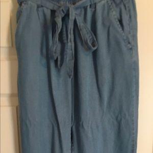 Jogger style lightweight denim jeans